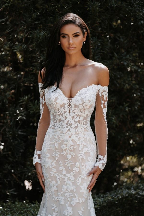 intricate lace long sleeve wedding dress